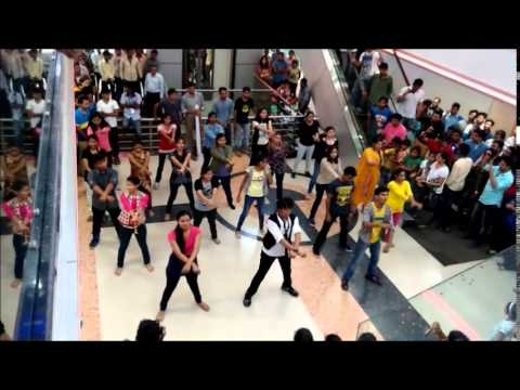 FLASH MOB IN GULBARGA @ Shradha mall by PDA COLLEGE OF ENGINEERING Students, Official Video.