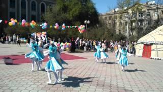 kyrgyz song [kyrgyz new year] [filarmoniya] [performed little kyrgyz girls]p_raj