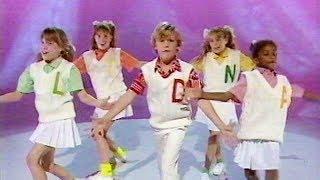 Emu's Pink Windmill Kids: Bandstand Boogie