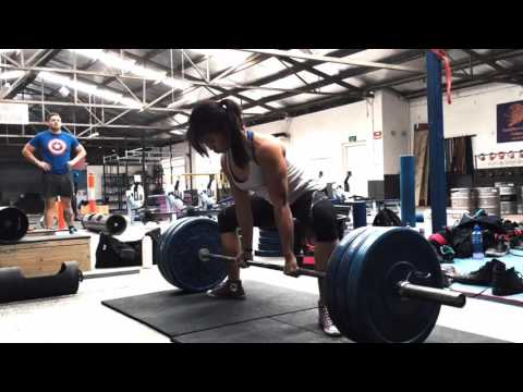 Some of Strong Melbourne s strong women lifting things The Barbelle Club Road Trip