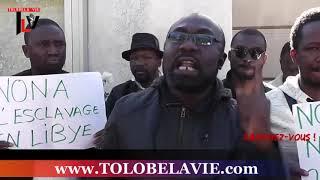 COMMUNAUTÉ Africaine au MAROC debout devant l'ambassade de Libye NON à l'esclavage en LIBYE