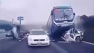download free Crazy Car Crashes Caught on Camera