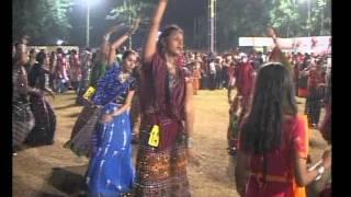 Gujarati Garba Song Navratri Live 2011 - Kalol - Darshna Vyas, Vipul Panchivala - Day-4 Part-10