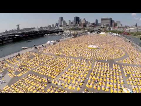 Lolë White Tour Montréal 2014 – Nearly 6000 people practice yoga at the Old Port