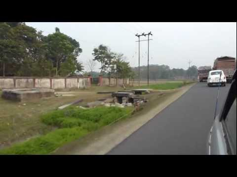 India / West Bengal / Jalpaiguri / Road to Changrabandha