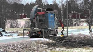 Scania R560 With A Bruks Chipper