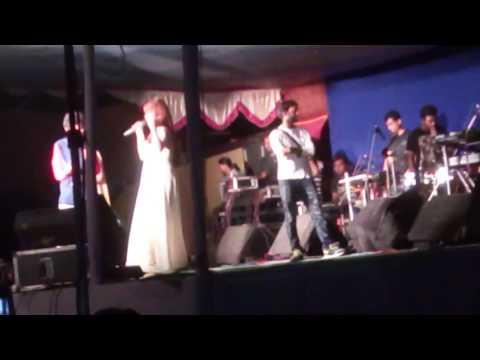 Xxx Mp4 শ্রাবন্তী And সাকিব Khan এর Tage Program 3gp Sex