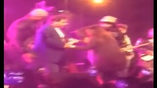 Atif Aslam Stops Concert to Save Girl Being Harassed (VIDEO)