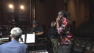 10News Brightside social media anchor Jabari Thomas sings
