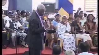mamadou karambiri - Dieu répond à la prière et au jeûne mais il habite dans la louange