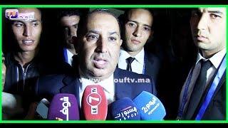 حسبان طالع ليه الدم..شوفو أشنو وقع لحظة إدلائه بتصريح للصحافة بعد تتويج الرجاء بكأس العرش.