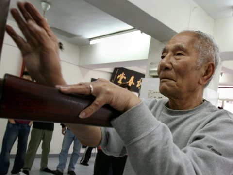 Ip Chun 葉準 84 year old Wing Chun legend