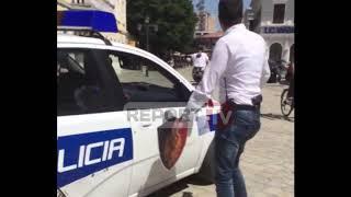 Report TV - Momentet e shoqërimit nga policia të kreut të FRPD në Shkodër dhe 2 anëtarëve
