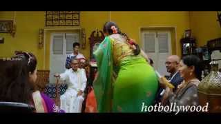 Anushka Shetty big ass in saree