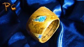 Wooden bracelet with crystal. Браслет из дерева и хрусталя.