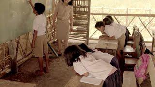 نظر كل طلاب الصف الى هذا الطفل وهو على السبورة .. و عندما دخلت المعلمة كانت المفاجئة كبيرة !!