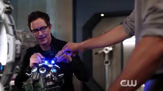"The Flash 4x16 Sneak Peek #2 ""Run Iris, Run"" Season 4 Episode 16"