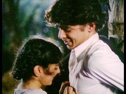 Neena Gupta Kisses Boyfriend - Trikal - Top 10 Bollywood Kisses