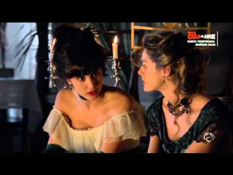 Gran Hotel (Escenas Julio/Alicia) - Diego besa a Alicia delante de Julio