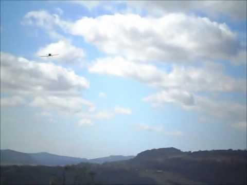 Vôo aeromodelo T6