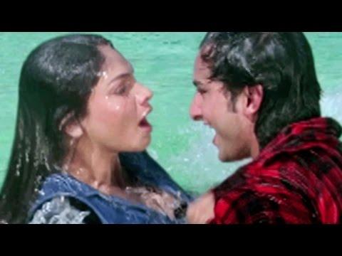 Xxx Mp4 Saif Ali Khan Tries To Impress Pooja Bhatt Sanam Teri Kasam Love Scene 2 10 3gp Sex