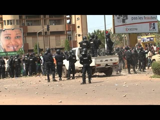 Burkina : Gigantesque marche de l'opposition suivie d'affrontements avec la police