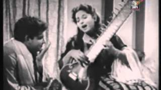 KAUSAR PARVEEN,SHARAFAT ALI - BAR BAR BARSIEN MORE NAIN - WAADAH - YouTube.mp4