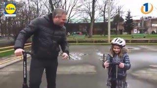 Miha Deželak je 6-letno Tamy učil rolkati