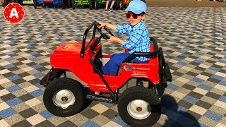 Petit Garçon Adam Conduit Jouet Voiture Electrique pour les Enfants et s
