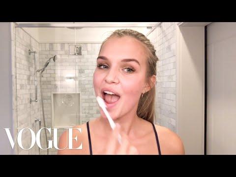 Victoria's Secret Angel Josephine Skriver's Lip-Plumping Secret | Beauty Secrets | Vogue