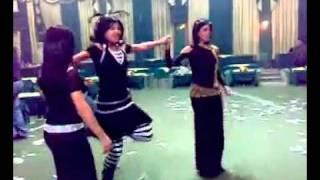 جنون البنات في الرقص        دبكه سويه