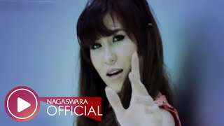 Putri Fe - Aku Pengen (Official Music Video NAGASWARA) #music