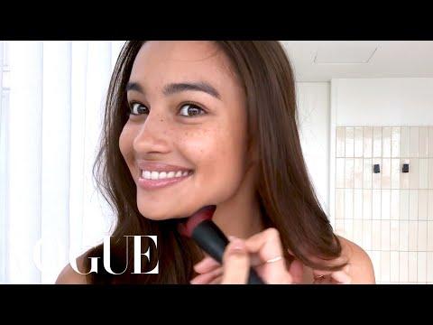 Xxx Mp4 Victoria S Secret Model Kelsey Merritt S Guide To Freckles Better Brows Beauty Secrets Vogue 3gp Sex