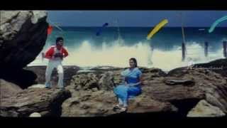 Mudhal Kanave Tamil Movie |  Muthal Muthal Paarthen Song | Vikram | Honey Rose
