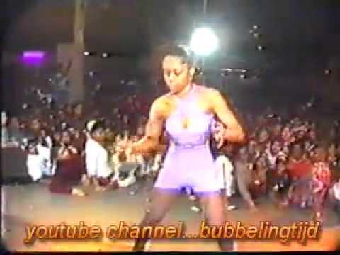 Xxx Mp4 9 Dec 1994 Bubbling Battle Meisjes Cynthia Vs Xxxx MP4 3gp Sex