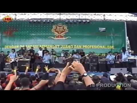 HEBOHH DEWI PERSIK SAMPE MELOROT BEGINI Live Konser HUT KOSTRAD Ke 46 Malang
