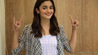 Alia Bhatt Plays Truth Or Truth