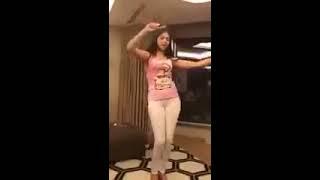 رقص فتاة على انغام --- Aymen serhani 2018