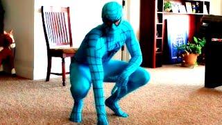 Blue Spiderman Vs Iron Man! Superhero Balloon Battle! Funny Kids Movie!!