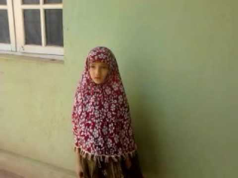 Syeda safiya anjum 8 saal ki ladki .bayaan-TWAKKAL TU ALALLAH