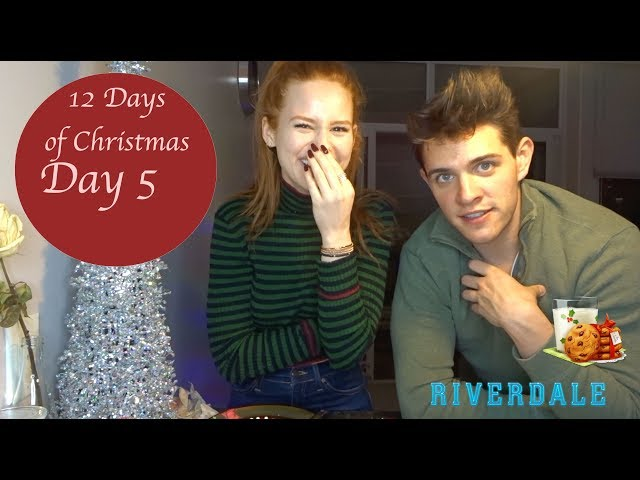 DECORATING COOKIES & ANSWERING QUESTIONS WITH RIVERDALE COSTAR CASEY COTT | Madelaine Petsch
