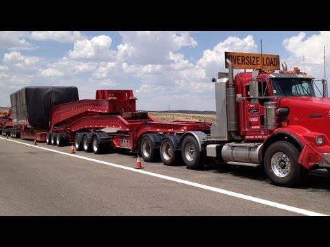 Carreta gigante americana & paisagem do Wyoming