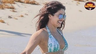 Baywatch Star Priyanka Chopra Raises The Temperature With Her Bikini Avatar | Bollywood News