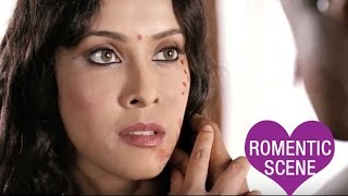 Randeep Hooda Painting Nandana Sen | Romantic Scene | Rang Rasiya | Hindi Film
