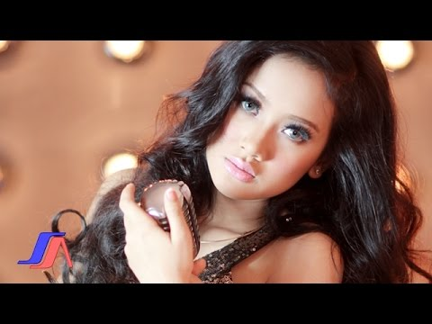 Sakitnya Tuh Disini - Cita Citata (Official Music Video) Mp3
