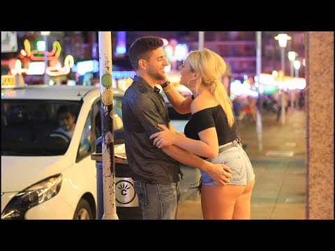 Xxx Mp4 Kissing Prank Kissing In PUNTA BALLENA 3gp Sex
