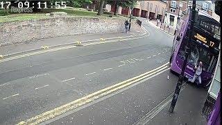 Renversé par un bus, cet Anglais s'en sort miraculeusement indemne