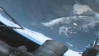 ISS Strani oggetti ripresi dalla stazione spaziale UFO!!