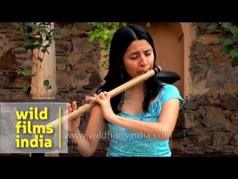 Nathalie plays Indian bamboo flute (bansuri in G)