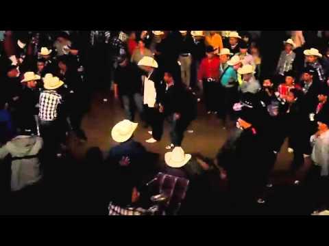 Baile Y Madrazos En Peregrina Grupo Legitimo